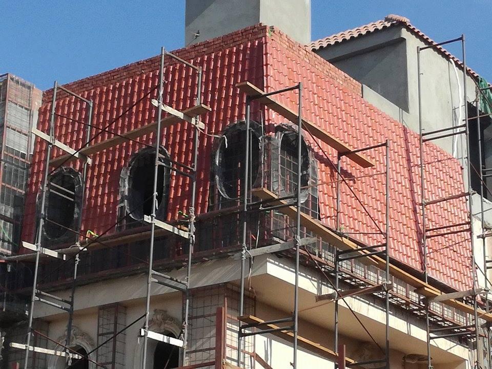 الاسقف القرميد الحديثة النموذجية